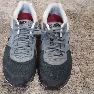 Nike shoes size 10.5 Gray and Black